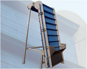 Vertical feed elevator with modular plastic belt